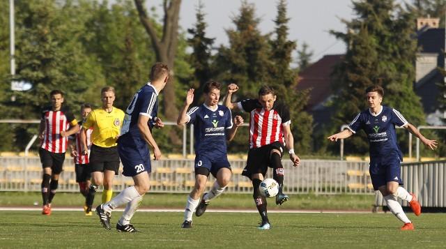 Resovia Rzeszów pokonała u siebie Wiślan Jaśkowice 1:0. Gola na wagę trzech punktów zdobył w ostatniej minucie meczu Dorian Buczek.Zobacz także: Resovia pokonuje Wiślan Jaśkowice po golu Doriana Buczka w ostatniej minucie meczu [RELACJA]