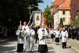 Boże Ciało we Wrocławiu. Procesja z katedry skromniejsza niż w ubiegłych latach [ZDJĘCIA]