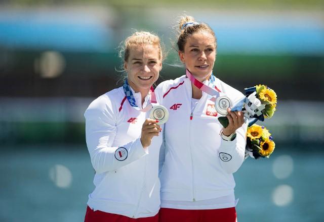 Karolina Naja i Anna Puławska