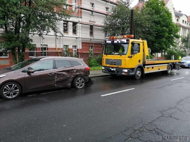 W Opolu zderzyły się dwa samochody. Sprawca był pijany.