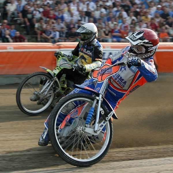 Nicki Pedersen i Rafał Dobrucki sygnalizują bardzo dobrą dyspozycję przed rozpoczęciem sezonu. Obaj w barwach Marmy - Stali wystąpią razem w niedzielę w Tarnowie.
