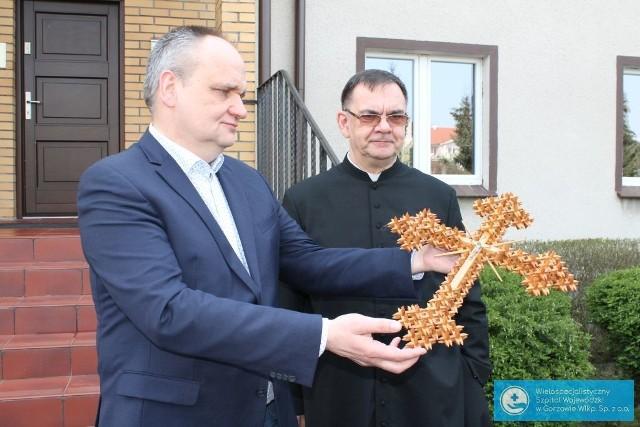 Krzyże zawisły już w szpitalu zakaźnym w Gorzowie.