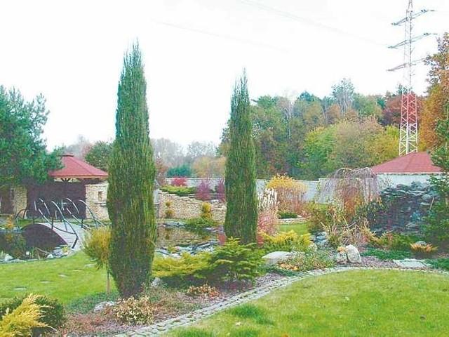 Ogród w aranżacji wiejsko-sielkiejCoraz większą popularnością cieszą się ogrody o charakterze wiejsko-sielskim, wtapiające się w krajobraz