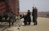 Oświęcim. Wiceprezydent Stanów Zjednoczonych Mike Pence i prezydent Andrzej Duda odwiedzili były niemiecki nazistowski obóz koncentracyjny