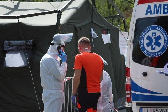 Koronawirus w Polsce i na świecie. Liczba zakażonych wynosi już blisko 12 tys. Nie żyją 562 osoby. Raport na żywo minuta po minucie [27.04]