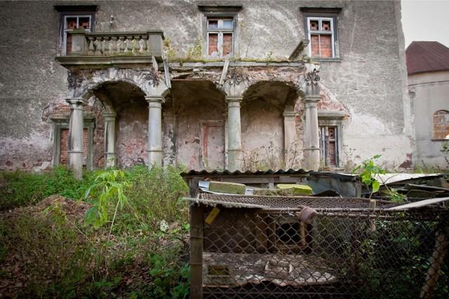 Dwór Sarny został kupiony przez spółkę Masena. Ma w nim powstać hotel i część kulturalna