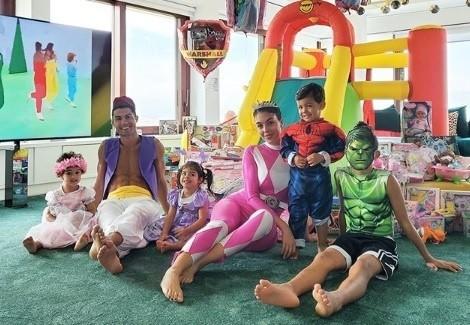 Ronaldo świętował urodzin córek jako... Aladyn. Był też Hulk