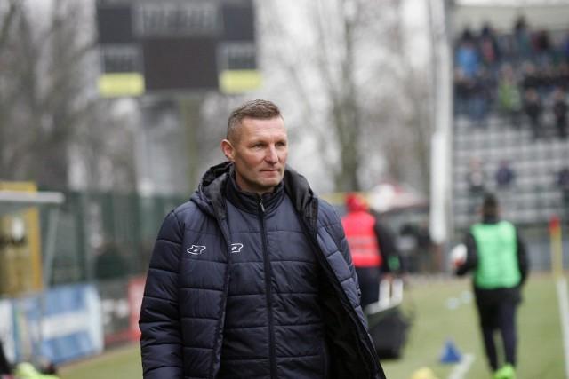 Grzegorz Niciński ma o czym myśleć, jego zespół nie wystartował najlepiej w tym sezonie Fortuna I ligi