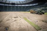 Trwa wymiana murawy na Stadionie Wrocław [ZDJĘCIA]