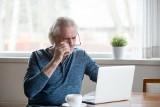 ZUS nie wydaje już zaświadczeń o wysokości emerytury czy renty na papierze. Teraz świadczeniobiorcy pobierają takie dokumenty przez internet