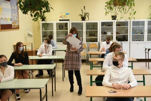 Próbny egzamin ósmoklasisty w toruńskiej Szkole Podstawowej nr 31