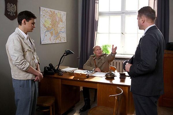 w głębi w roli Żyda-ubeka Wojciech Pszoniak