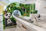 """Tomograf komputerowy """"z pandą"""" działa w Szpitalu Dziecięcym Polanki. To dar Wielkiej Orkiestry Świątecznej Pomocy!"""