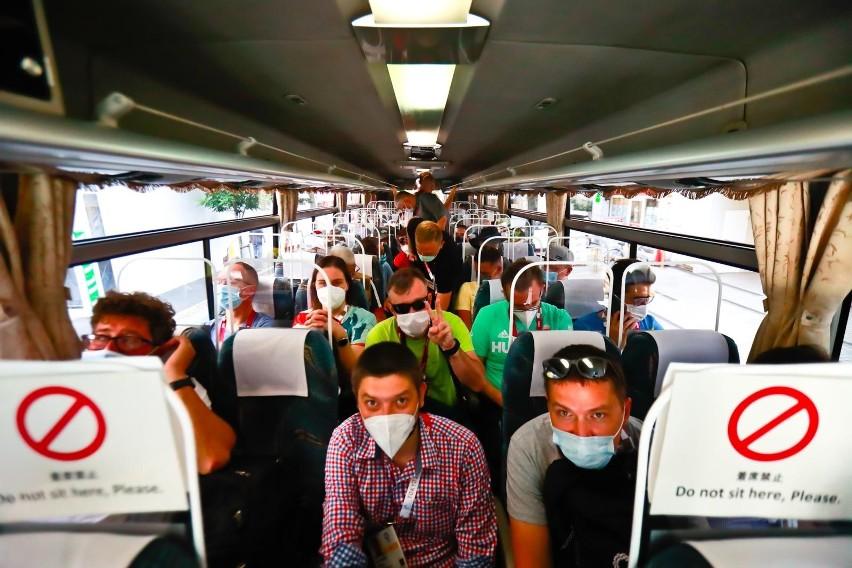Autobus dla dziennikarzy na igrzyskach w Tokio