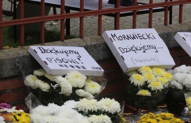 Wszystkich Świętych 2020 przy zamkniętych wrocławskich cmentarzach