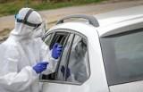 Mobilny punkt pobrań prób na obecność koronawirusa zostanie uruchomiony w Gnieźnie. Będzie można przebadać się bez wysiadania z auta