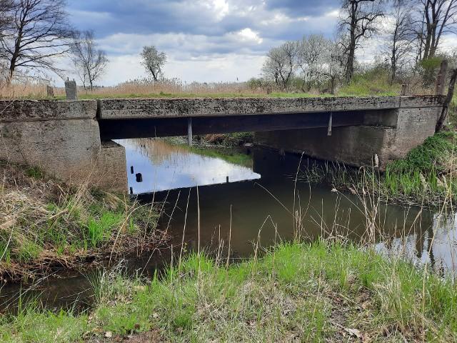 Tak dziś wygląda Troska, czyli Sorge. Pozostał most, skrzyżowanie dróg i nieco cegieł
