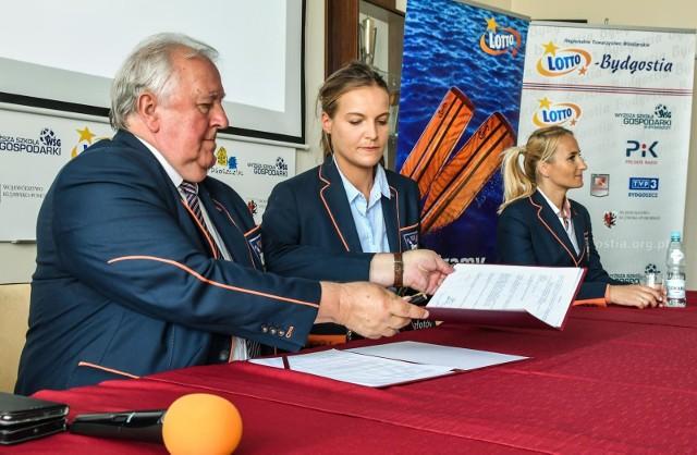 Lotto – Bydgostia już po raz szósty podpisała ze swoimi wioślarkami i wioślarzami aneksy umów dotyczących nagród za zdobycie medalu igrzysk olimpijskich.  Złoto w Tokio zostało wycenione na 220 tysięcy złotych, srebro na 190, a brąz na 160.