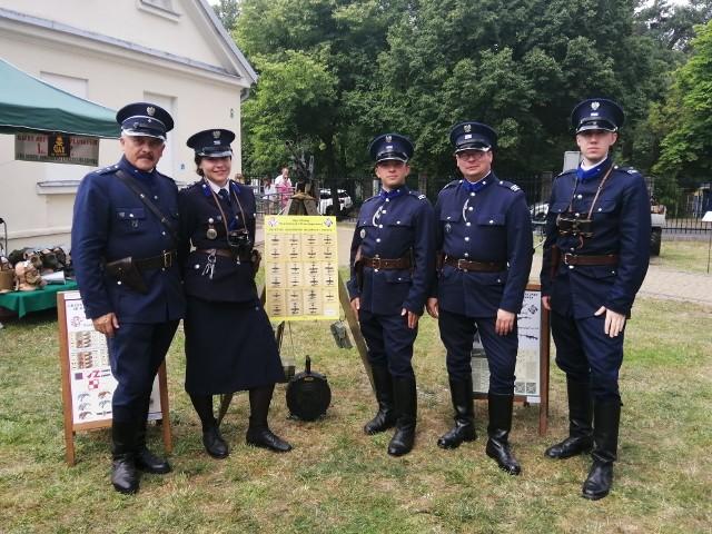 Rekonstruktorzy policyjni z Radomia gościli w ostatnią sobotę na pikniku historycznym w muzeum w Skarżysku-Kamiennej.
