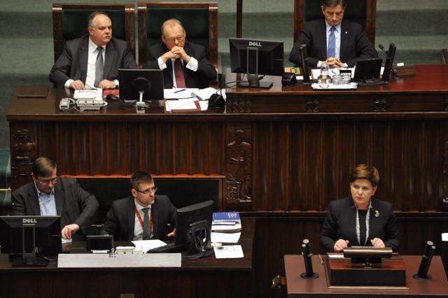 Rządowa autopoprawka budżetu państwa na 2016 r., zakłada zwiększenie wydatków w przyszłym roku