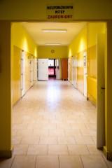 """Izba Wytrzeźwień w Białymstoku. Zobacz, jak wygląda białostocka """"wytrzeźwiałka"""" od środka [ZDJĘCIA]"""