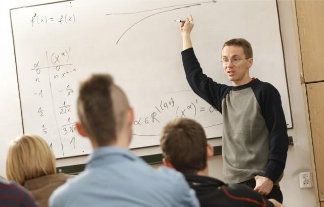 Michał Śliwiński, nauczyciel matematyki z III LO to jeden z uczestników plebiscytu na najlepszego nauczyciela Dolnego Śląska