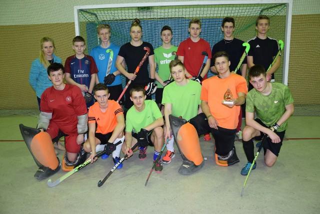 Reprezentanci Uczniowskiego Klubu Sportowego Jedynka Żnin - sekcja hokeja na trawie - zostali Drużyną Roku 2017 w plebiscycie Gazety Pomorskiej, zajmując pierwsze miejsce w rywalizacji powiatowej.