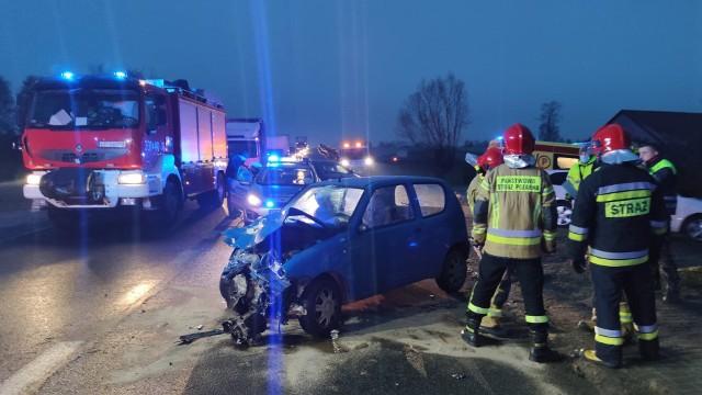 Wypadek na granicy Piotrkowa i Twardosławic koło wiaduktu nad A1, 03.12.2020