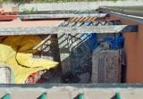 Balkon w ptasich odchodach... Od dwóch lat walczą o ich uprzątnięcie