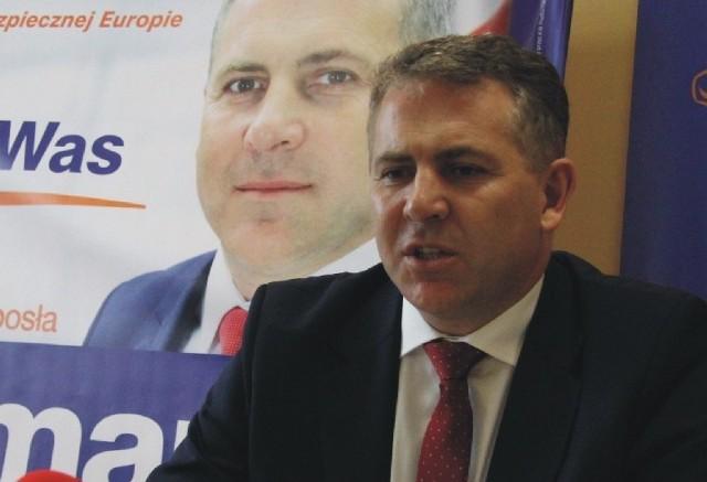 - Jesteśmy zaniepokojeni skalą zmian na wysokich stanowiskach w Podkarpackiem - twierdzi Piotr Tomański, poseł PO z Przemyśla.