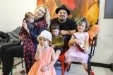 Gdy podrosną, znów będę malować obrazy - mówi mama czwórki polsko-włoskich maluchów