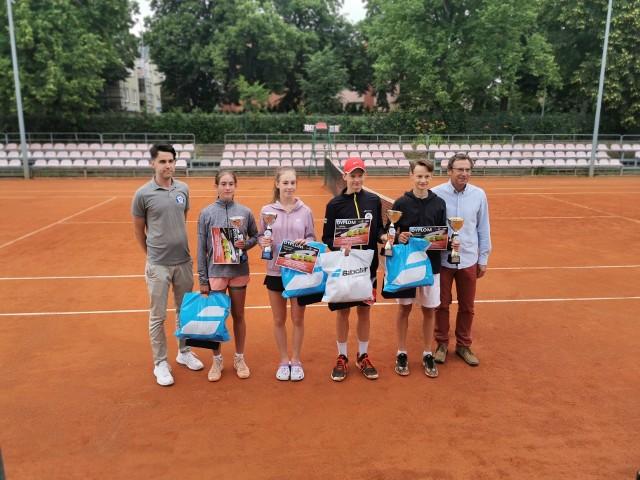 Na kortach Centrum Tenisowego Aqua-Tur w Szczecinku odbył się Ogólnopolski Turniej Klasyfikacyjny o Puchar Marszałka Województwa Zachodniopomorskiego.