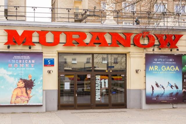 Film w reżyserii Alfonso Cuaróna - Roma - będący największym konkurentem Zimnej wojny możecie obejrzeć na platformie Netflix oraz w polskich kinach. Obraz wyświetlany jest w kinie Muranów (ul. Andersa 5). Co ciekawe, to pierwszy film pełnometrażowy, który jednocześnie trafił na platformę i do kin na całym świecie. Ryzykowny krok, jak widać opłacił się. Obraz jest nominowany do Oscara w 10 kategoriach (m.in. za najlepszy film, najlepszy film nieanglojęzyczny i najlepszego reżysera).