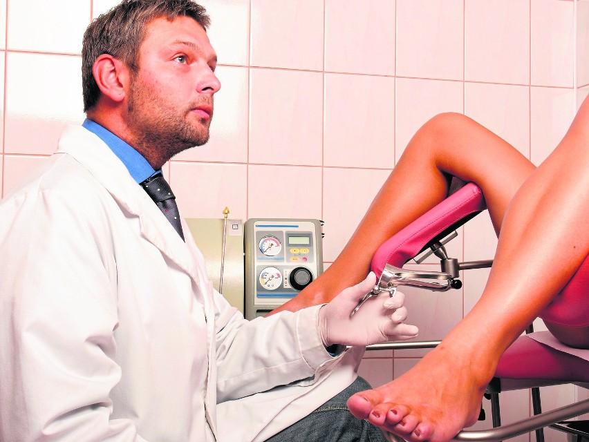 Liczbę nielegalnych aborcji wśród Polek ocenia się na 150 tysięcy rocznie. Kobiety jeżdżą m.in. do Niemiec i na Słowację. Organizacje kobiece postulują złagodzenie tzw. ustawy antyaborcyjnej