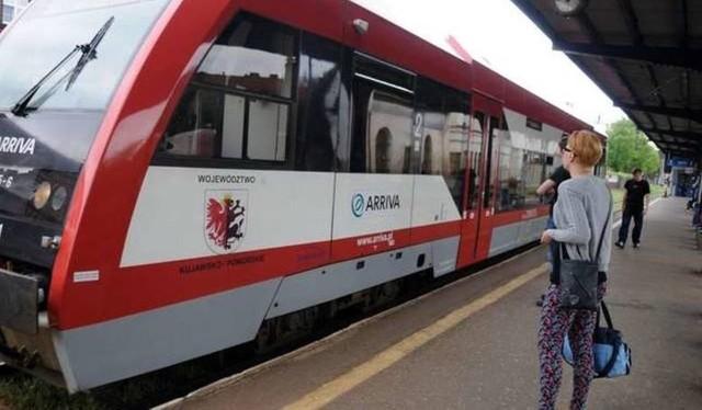 Mieszkańcy Borów Tucholskich zostali pozbawieni komunikacji kolejowej do Bydgoszczy. Samorządowcy deklarują, że nadal będą rządzić o połączenia