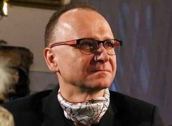 - Pozostają przykre restrykcje, polegające na tym, że akademiki są otoczone kordonem sanitarnym - mówi Dariusz Trześniowski.