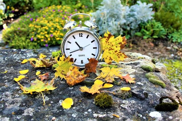 Przestawianie zegarków to akurat najmniejszy z problemów ze zmianą czasu
