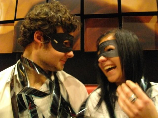 Helios zaprasza na filmowy bal maskowy.