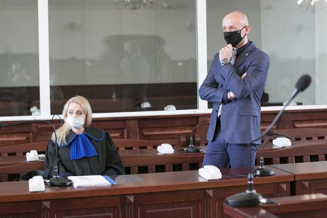 Klaudiusz Dyjas przed sądem. Rozpoczął się proces byłego dyrektora słupskiego MOPR