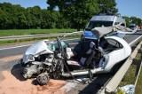 Śmiertelny wypadek koło Kobierzyc. Zginął kierowca auta osobowego (ZDJĘCIA)