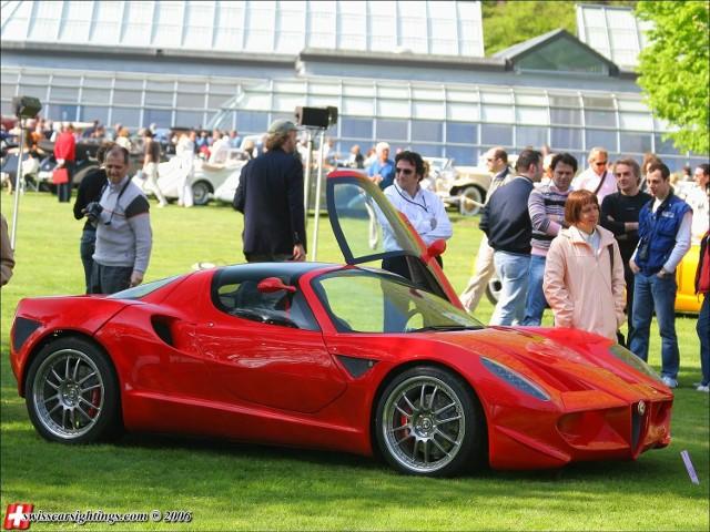 Alfa Romeo Diva: Zbigniew MaurerStudiował na Politechnice Śląskiej w latach 80. We Włoszech, po stażu w IDEA Institute, wielką karierę rozpoczął w 1994 r. w biurze Centro Stile Alfa Romeo. Maurer jest jednym z głównych designerów marki. Zawdzięczamy mu piękną linię modeli 156 i 166. Uczestniczył też w projektowaniu Alfy 8C Competizione, a także wspaniałego prototypu Diva.