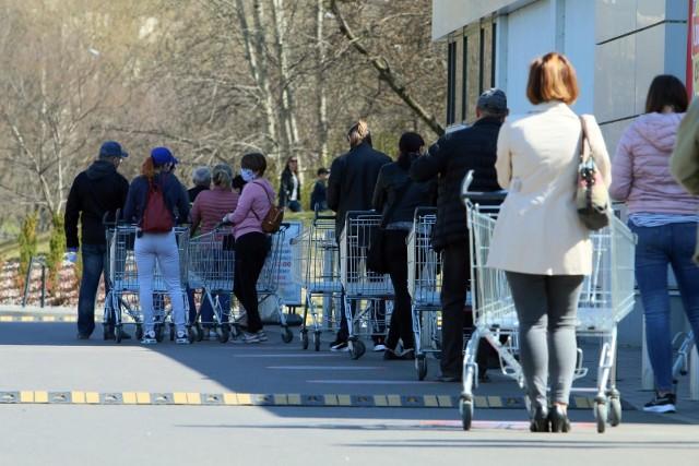 Który sklep w Polsce jest najtańszy? Gdzie za zakupy zapłacimy najmniej? Wyniki są zaskakujące.