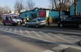 Wypadek dwóch samochodów na Żernikach. Jedna osoba ranna (ZDJĘCIA)