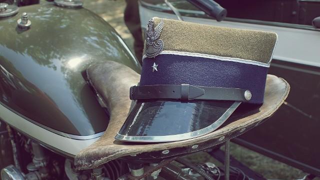 Agencja Mienia Wojskowego w Szczecinie organizuje wyprzedaż sprzętu wojskowego. Jesteście ciekawi, co mozna kupić do 50 złotych? Sprawdźcie koniecznie, może te artykuły Was zainteresują!