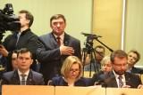 PiS wygładził Samorządową Kartę Praw Rodzin, ale przeciw głosowali nawet radni PiS
