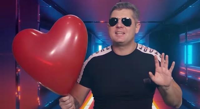 Bartłomiej Majcher, lider grupy Redox opublikował w sieci nowy utwór.