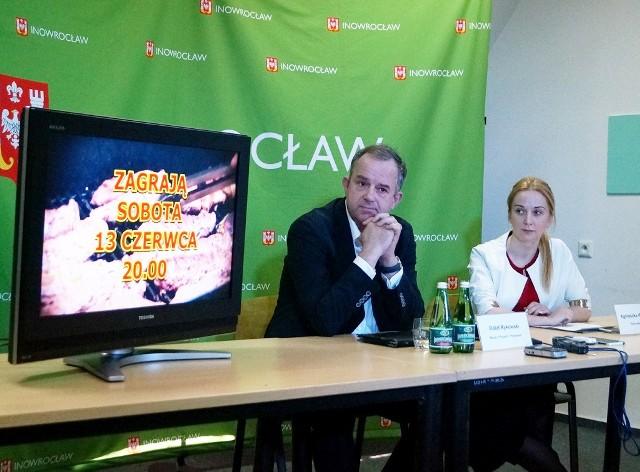 """Migawka z konferencji prasowej, podczas której Agnieszka Chrząszcz i Rafał Rykowski informowali o """"Wielkim Grillowaniu"""""""