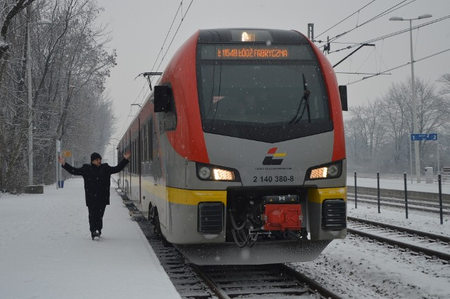 Ankieta dotyczy funkcjonowania kolei i transportu autobusowego w woj. łódzkim.