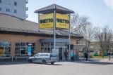 Tesco zamieni się w NETTO. Zamknięcie sklepów Tesco, zwiększenie liczby sklepów Netto. Gdzie będą w Krakowie i co w nich kupimy?