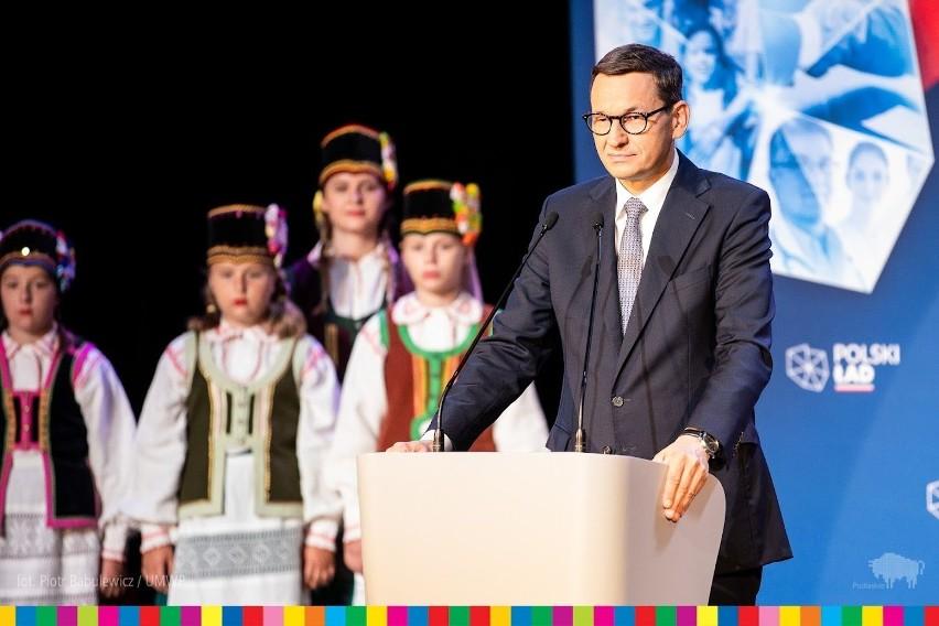 Wizyta premiera w Białousach.